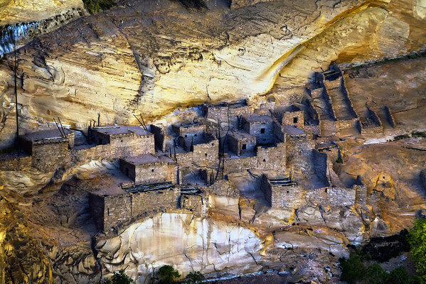 Betatakin Cliff Dwellings in Betatakin Canyon at Navajo National Monument, Arizona