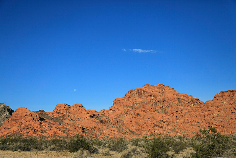 Moon over the Valley of Fire Start Park