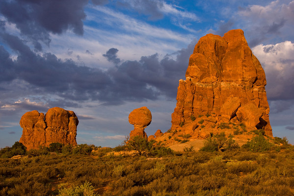 Balanced Rock Sunrise, Arches National Park, Moab, Utah