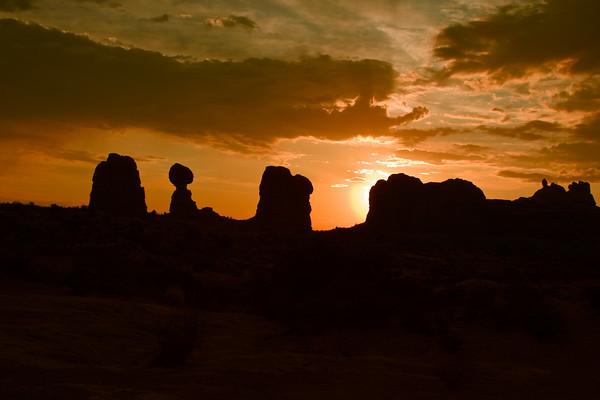 Balanced Rock Sunrise, Arches National Park, Moab, Utah