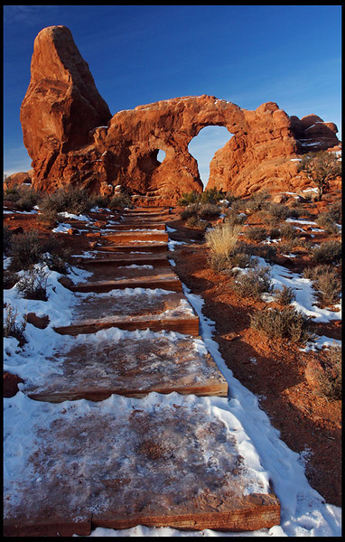 Turret Arch in winter, sunrise