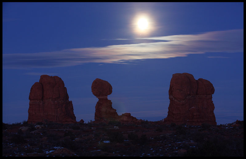 Moon rise, Balanced Rock