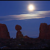 Moon rise, Balanced Rock