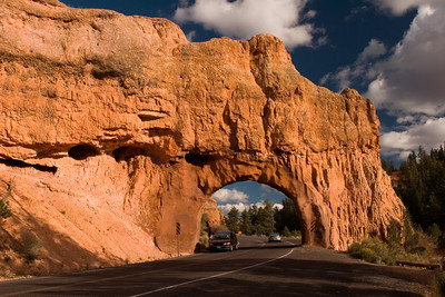 Red Canyon Arch on the Road to Bryce Canyon, Utah