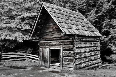 Smokehouse, Cable Mill Area   Camera: Nikon D3s, 24-85mm f2.8 lens, Moose Peterson Circular polarizing + warming filter, Gitzo tripod + Arca Swiss ball head; ISO at 200, Manual Exposure Mode, Manual Focus