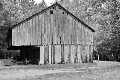 Barn at Cable Mill Area   Camera: Nikon D3s, 24-85mm f2.8 lens, Moose Peterson Circular polarizing + warming filter, Gitzo tripod + Arca Swiss ball head; ISO at 200, Manual Exposure Mode, Manual Focus