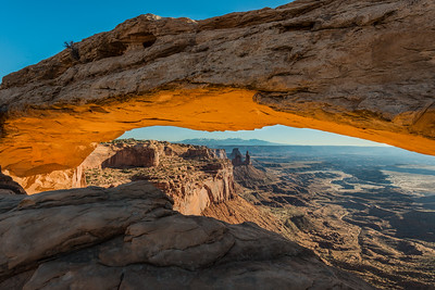 Mesa Arch mountains