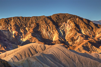 DV-180420-0020 Sun lights up Zabriskie Point