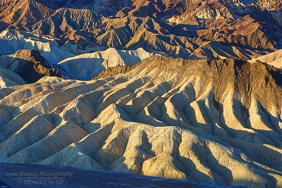 DV-180420-0024 Sun Makes nice Shadows on the Badlands Erosion-3