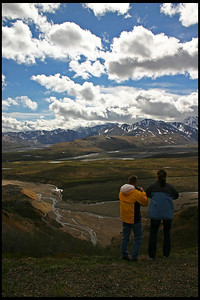 Two hikers at Polychrome Overlook
