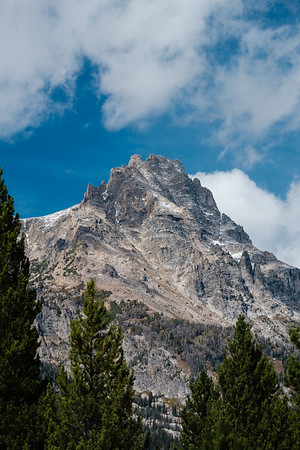 Taggart Lake Loop, Grand Teton National Park, Wyoming on September 24, 2019 by Michael Mroczek. Photographed with a Fujifilm X-Pro2 and XF55-200mmF3.5-4.8 R LM OIS lens at 104.9 mm | ƒ / 8.0 | 1/210 sec.