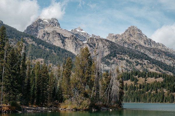 Taggart Lake Loop, Grand Teton National Park, Wyoming on September 24, 2019 by Michael Mroczek. Photographed with a Fujifilm X-Pro2 and XF35mmF1.4 R lens at 35 mm | ƒ / 4.0 | 1/1000 sec.