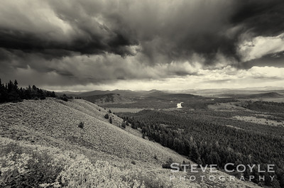 Another view of the storm over the Snake River Valley, but in b&w. To me there is just something about dramatic landscape shots in black and white. Do you agree?