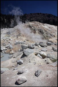 Mud cauldrons and fumeroles in Bumpass Hell