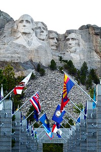 Mount Rushmore & the Avenue of Flags