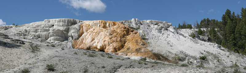 Mammoth Hot Springs<br /> Yellowstone NP