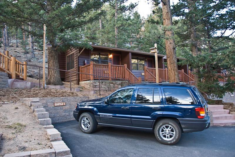 Castle Mountain Lodge