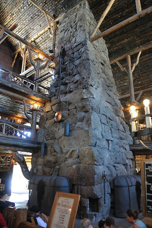 The huge fireplace in the Old Faithful Inn