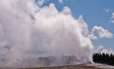 Old Faithful @ Yellowstone National Park