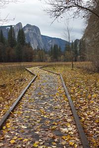 YOS-121201-0006 Yosemite Valley in the fall