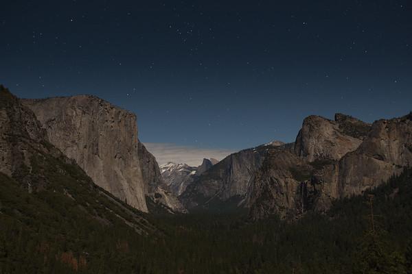 Canon EOS 5D Mark III EF24-70mm f/2.8L USM at  20.0 sec at ƒ / 4.5 @ 1600 ISO  1/29/15 10:21:11 PM ©savoyeimages.com