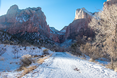 Mt Carmel Highway, Zion National Park, Utah.