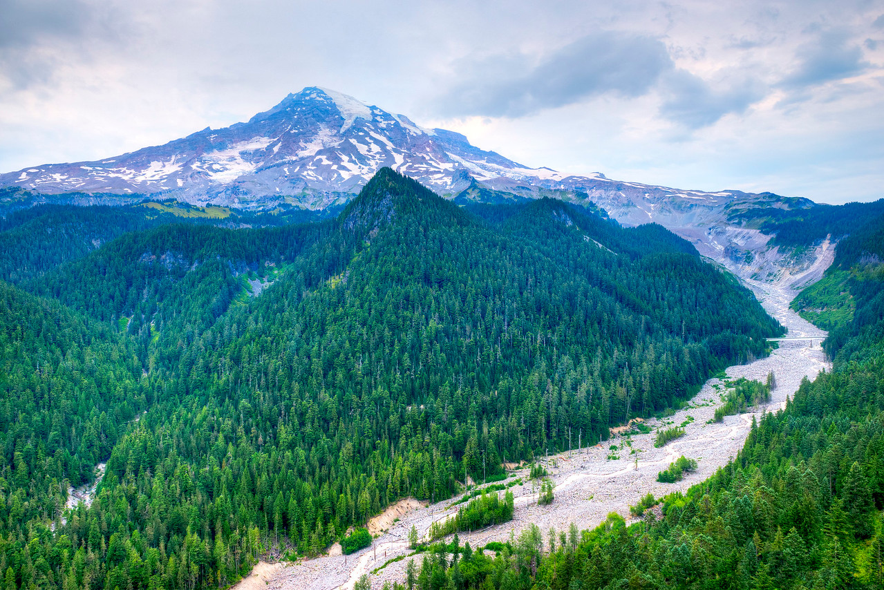1073 Mount Rainier with Nisqually River