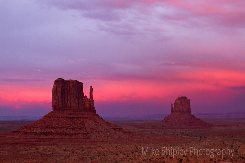 The Gloves Sunset, Monument Valley