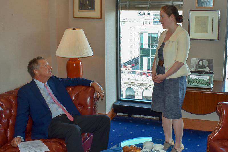 Gov. John Kasich of Ohio, left,  meets National Press Club president Andrea Edney in her office
