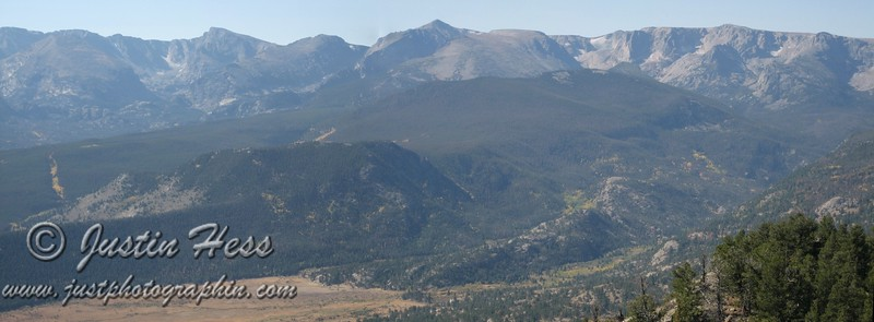 Panorama of the last last photo with more of Moraine Park and the Continental Divide visible.