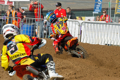Everts is being chased by Cato Nickel from Germany