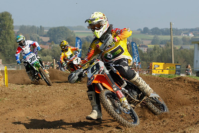 Van De Voorde gets closer and Vannieuwenhuyze catches up