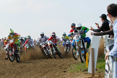 Meara beats Renkens to the holeshot line