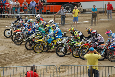 Start race 1 of the Inters MX1/3
