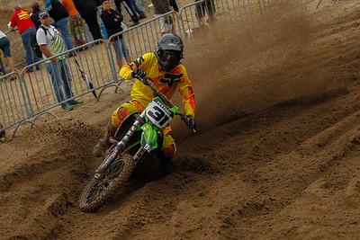 Feytons kicking up some sand