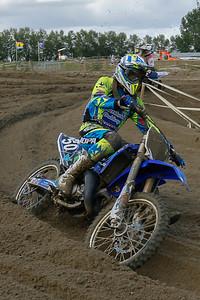 Bart Klijn in 9th is chased by Shana van der Vlist