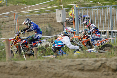 Until Conijn comes chasing through the pack, Horsten is already further on the track