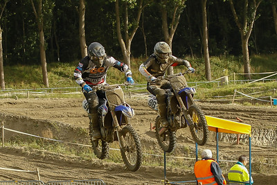 Rico Staat and Maurice Scheijbeler in a duel