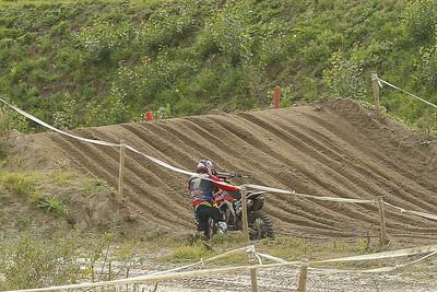 De Reuver has bikeproblems and can not continue