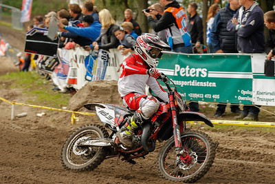 Holeshot man van der Duijn drops back to 6th