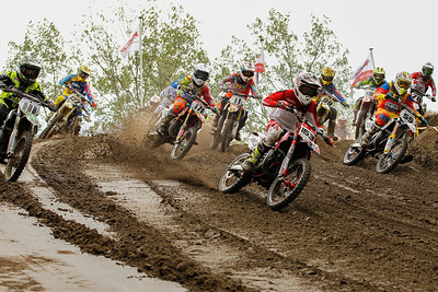 Start 2nd moto, van der Duijn takes the holeshot