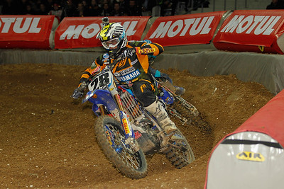 Peick holds off Webb until the finish