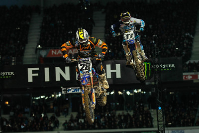 But Peick takes back the lead