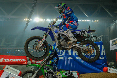 Febvre and Martin fight for 6th place