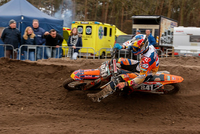 After a couple of laps Herlings takes the lead