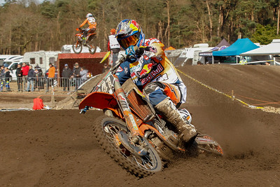 Jeffrey Herlings takes over and pulls away