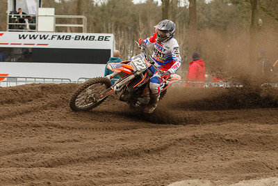Van Roy finishes 5th and 3rd, good for 2nd place in the MX2 class
