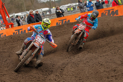 Smet attacks Walckiers who crashes later on, Smet finishes 2nd and wins the MX1 class