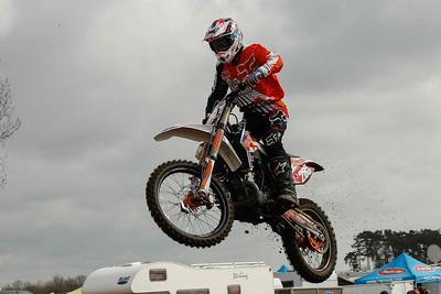 Ronny Van Hove leads