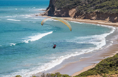 Hang-Gliding Along The Great Ocean Road